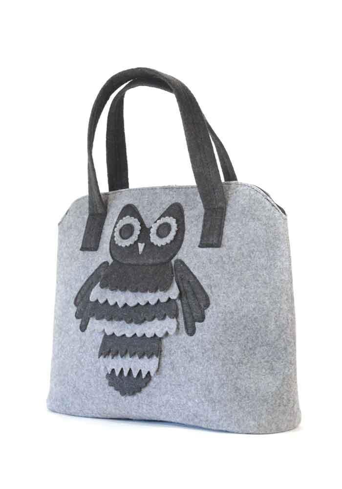Фото Женская сумка из войлока с совой
