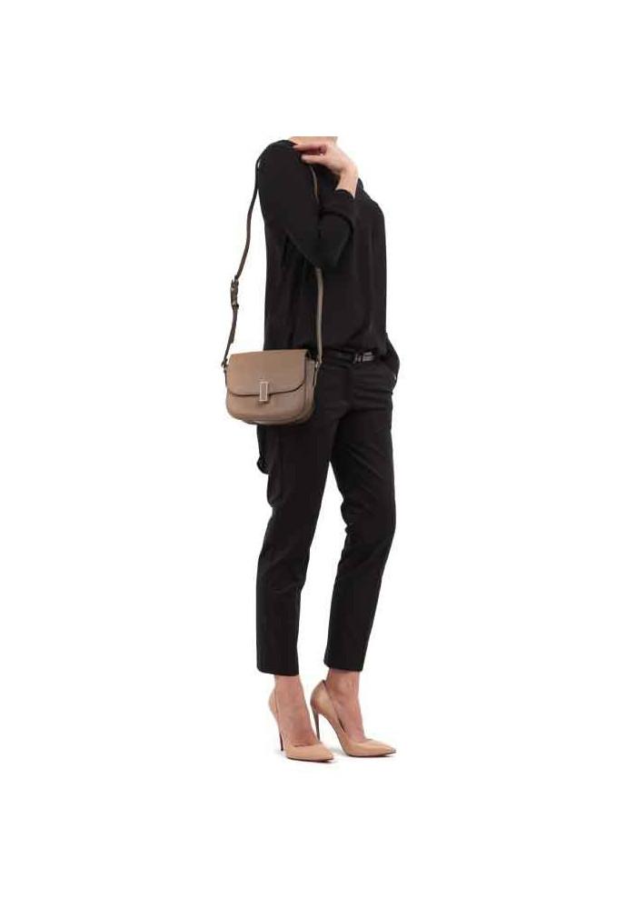 b0dbdfa8faef ... Кожаная женская сумка-клатч L.D 91012 светло-коричневая, фото №4 -  интернет