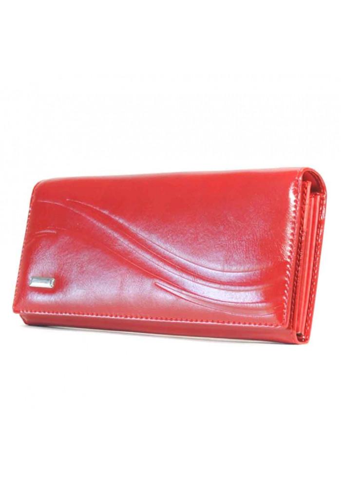 Красный глянцевый женский кошелек